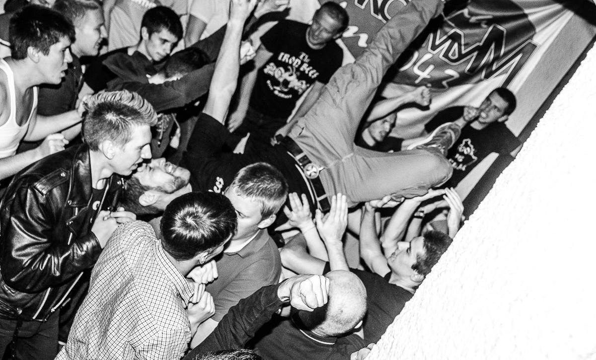 The Iron Bees: «Потрачено Тур 2015» в баре «Подвал». Фото: СветаТень